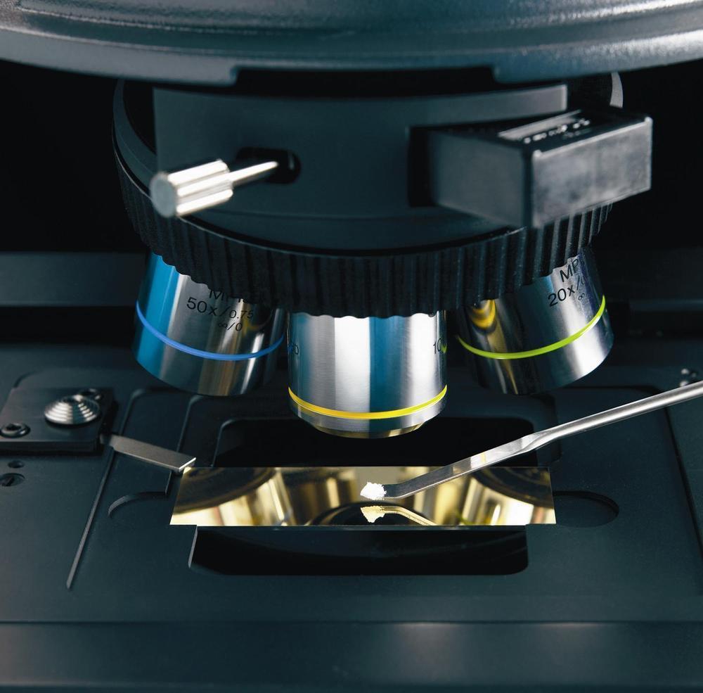 本實驗室之拉曼機台具放大100/200/500倍的顯微樣本定位系統