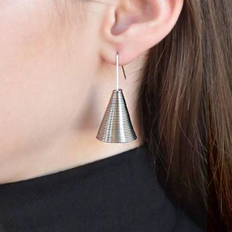 Cone earrings_Try on