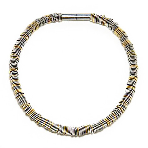 Maxi necklace mixed with gold.