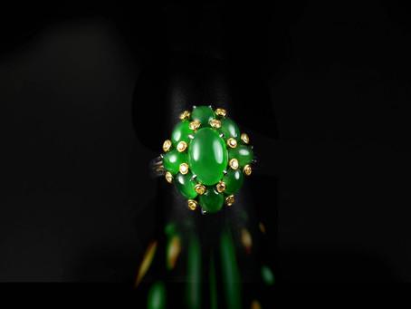 深綠色翡翠中顏色嬌豔度的比較經驗篇