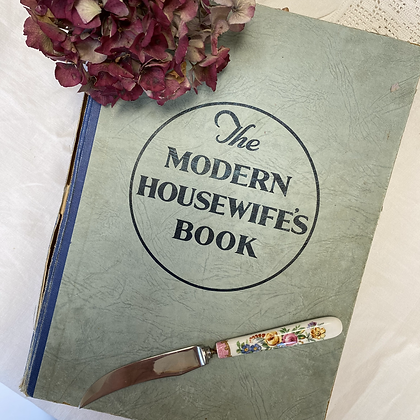 The Modern Housewife's Book - Aunt Kate