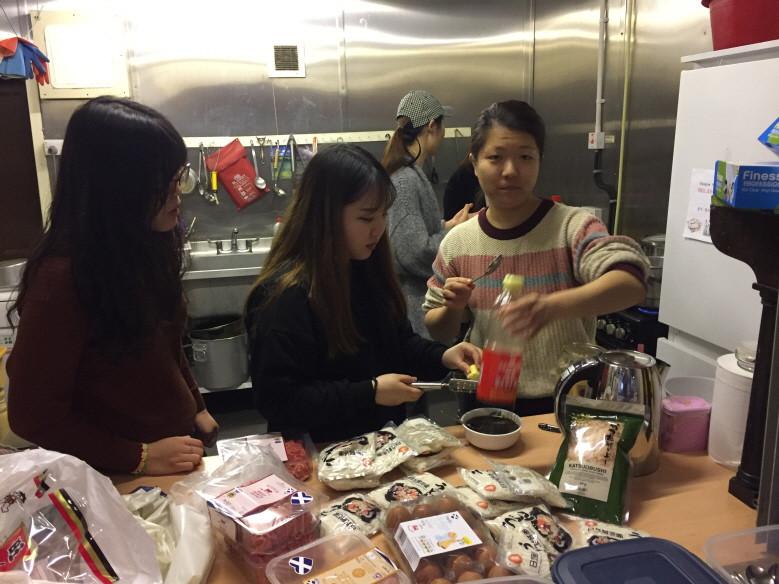 중국유학생 테이블
