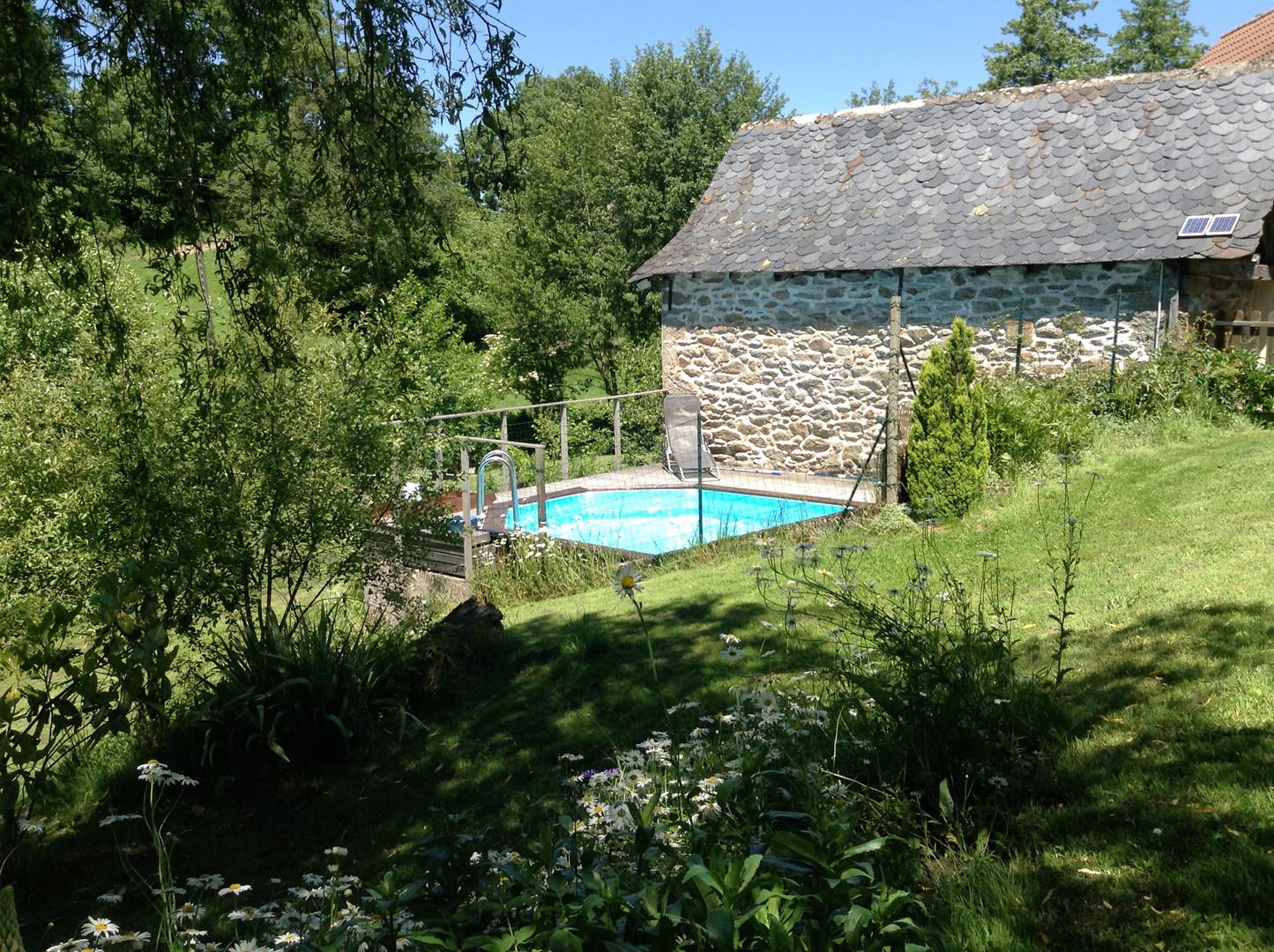 Jardin avec piscine privée