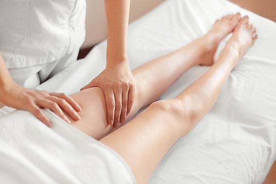massagem modeladora com as mãos