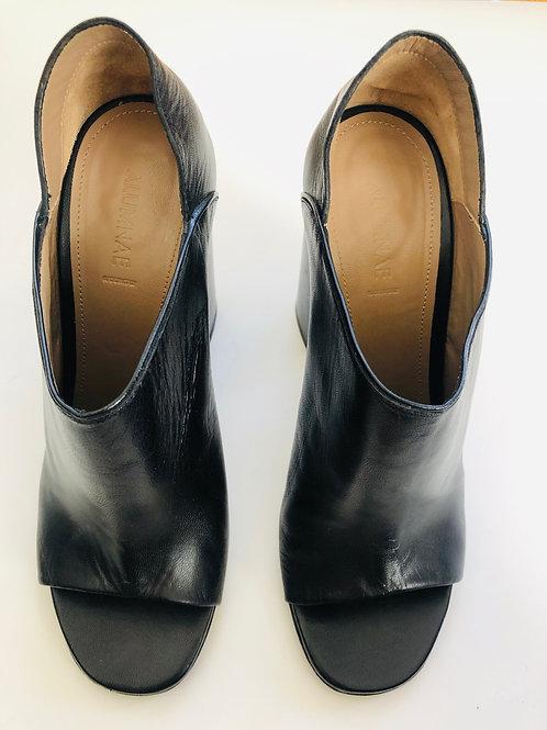 Alumnae Block Heel Mules Size 11