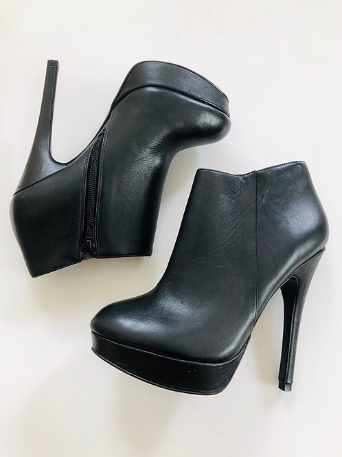 Aldo Booties Size 6.5