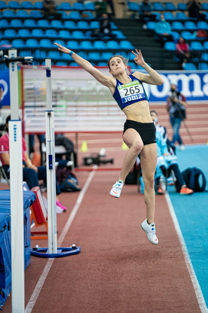 Nora Tobarren seigarren postua Madrilen eta hamabi podium Donostian