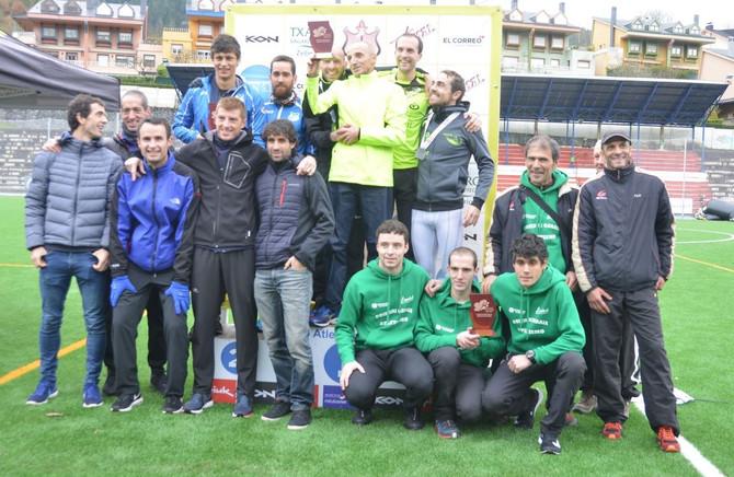 Txindoki Atletismo Taldearen erakustaldia Laudion ospatutako Euskadiko kros motzeko txapelketan