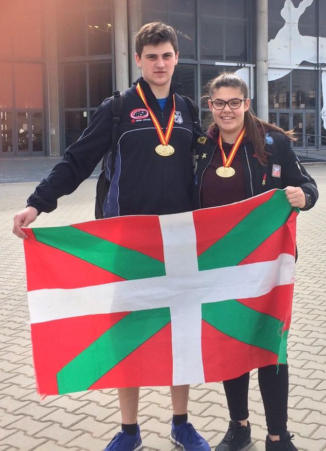 Ane Torres y Joseba Berasain campeones de España junior de lanzamiento de peso