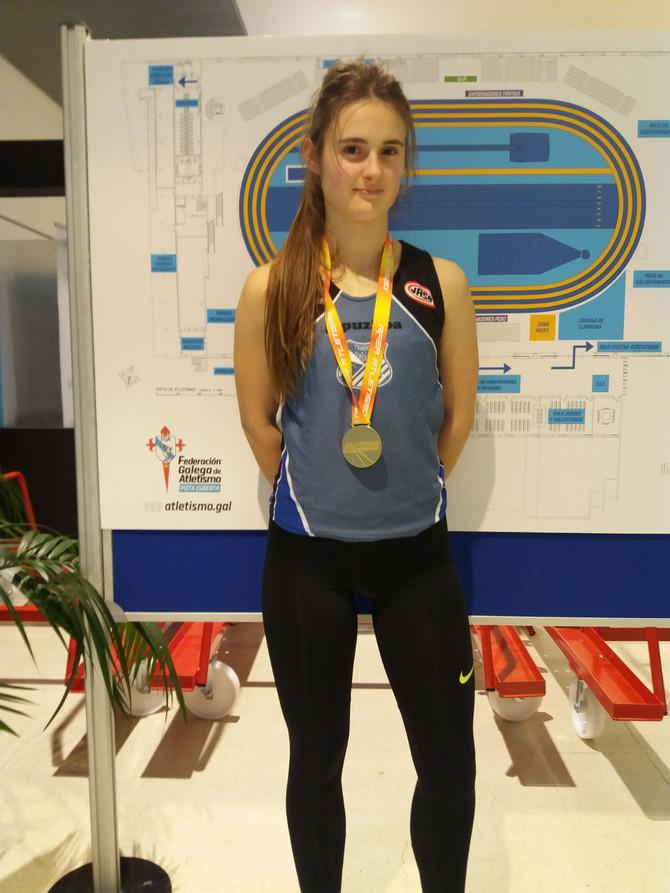 Nora Tobar campeona de España junior de pentatlón en pista cubierta
