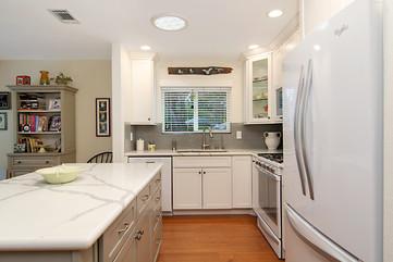 Spoon Bill - Kitchen 3.jpg