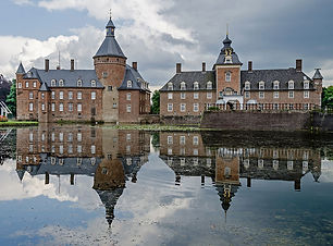 Burg-Anholt-Westfassade-2012.jpg