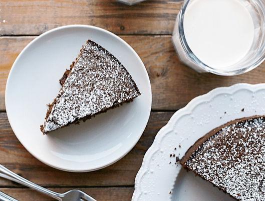 single-layer-chocolate-cake-e15114965867