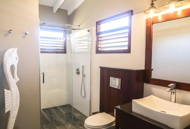 2019-9-11 kas di alegria bathroom treasu