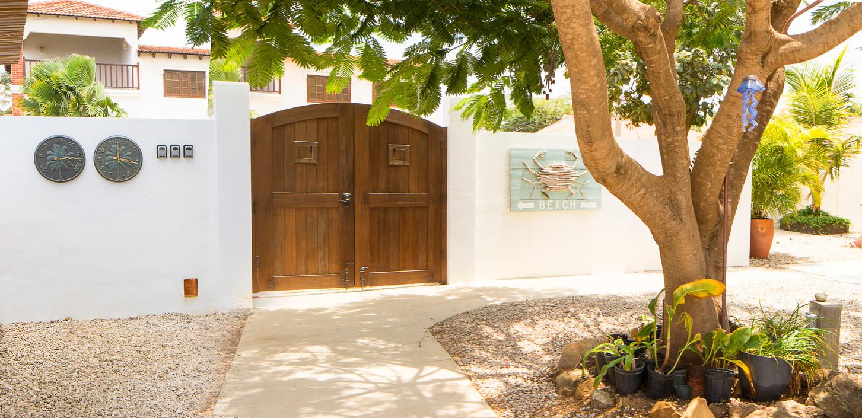 Treasure by the Sea Bonaire-exit