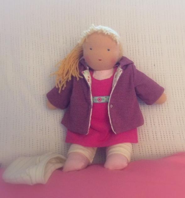 Blonde Gliederpuppe - lange Haare