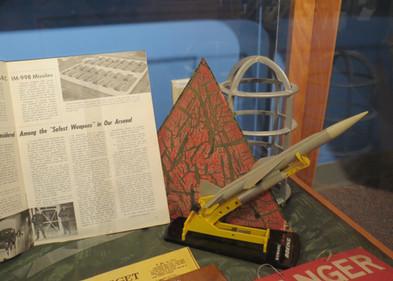 Cold War Exhibits/Expositions de la guerre froide