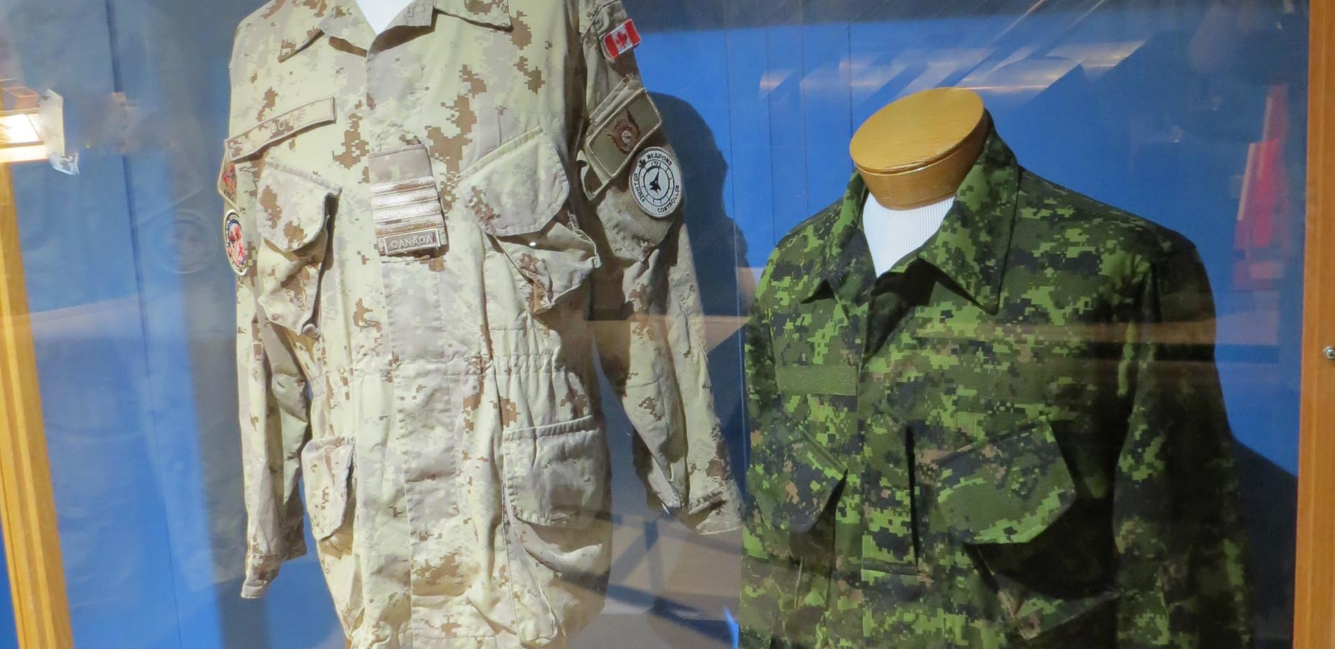 Modern Air Defence Exhibits/Expositions de la défense aérienne moderne
