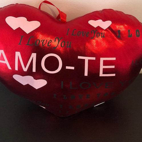 Almofada Coração + Bouquet 4 Rosas + Caixa de Chocolates