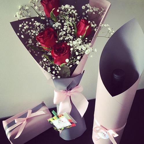 Bouquet 4 Rosas +Caixa de Chocolates + Garrafa de Vinho