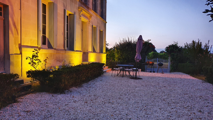 130m2 terrace in the evening for relaxing and barbecues.