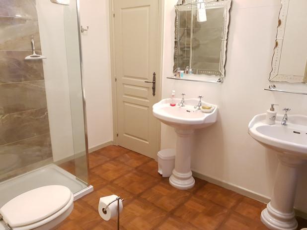 Elegance bathroom