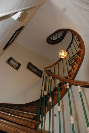 The historic Epargnes staircase