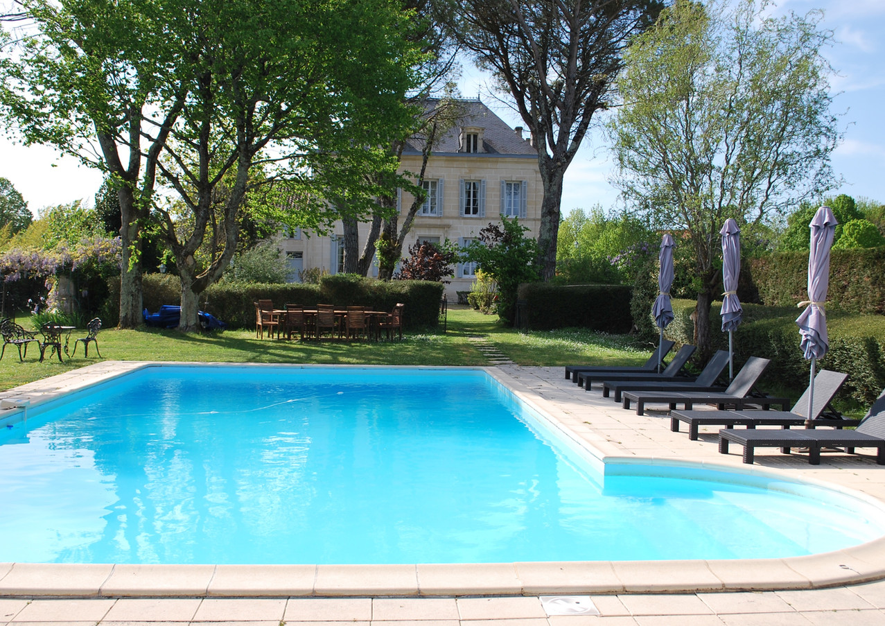 Le Logis and pool