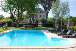 Le Logis and the pool