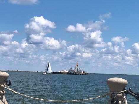 Lake & Harbor View, North Side