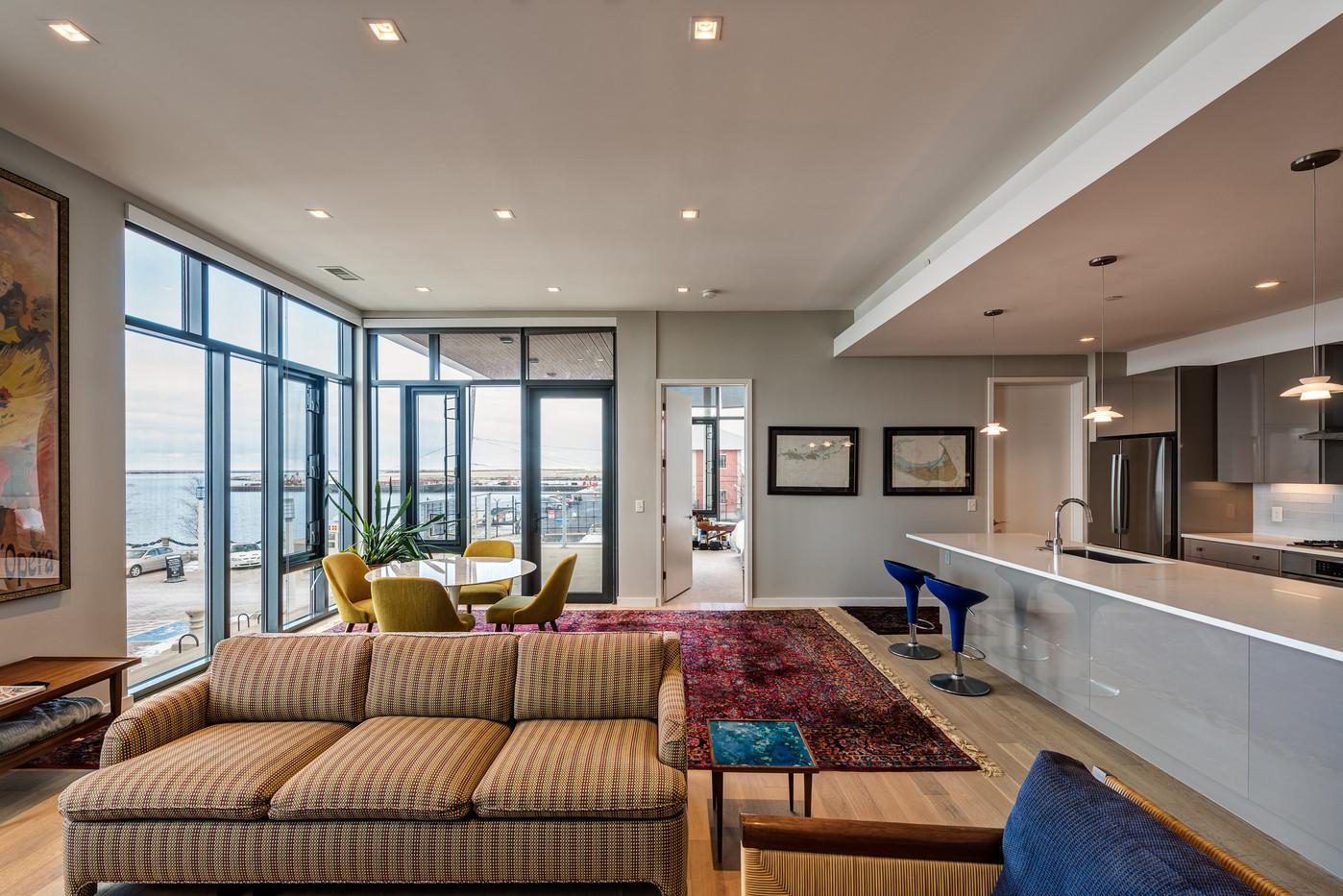 Harbor Verandas, living room