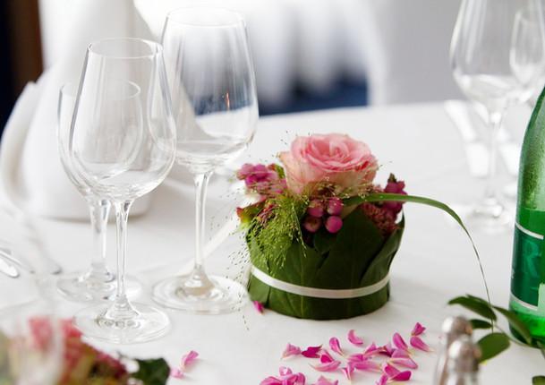 Fellner Blumen Hochzeitsfloristik Tischdekoration