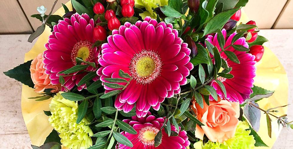 Blumenstrauß rund gebunden bunt