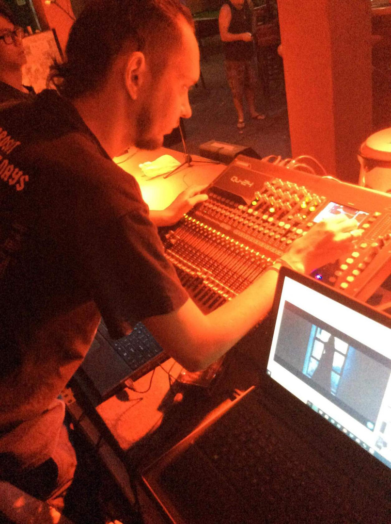 live mixer1.jpeg