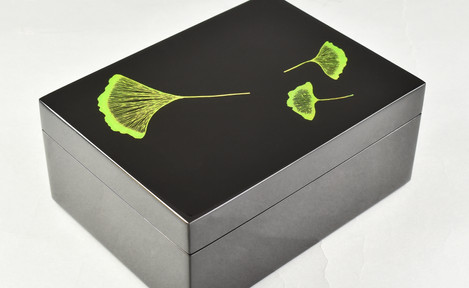 Ginko Leaf- Medium Box