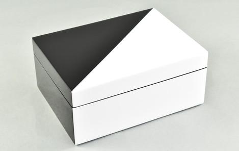 """White """"N"""" Black- Medium Box"""