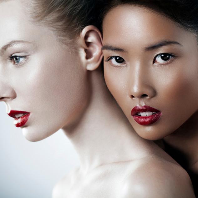 las mujeres que usan maquillaje