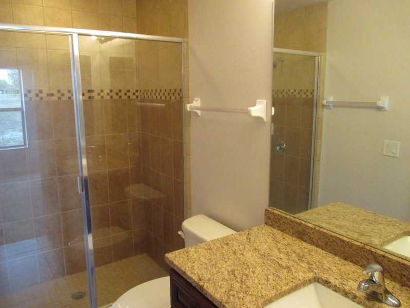 Bathroom (small side)