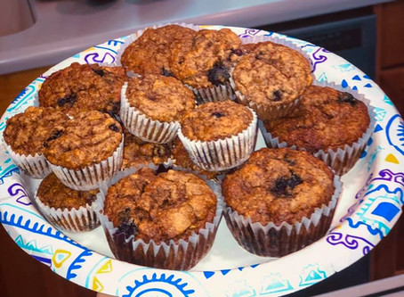 5-Ingredient Banana-berry Muffins