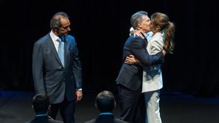 Macri: ¡Por un país sin divisiones! Scioli: ¡Yo o el abismo!