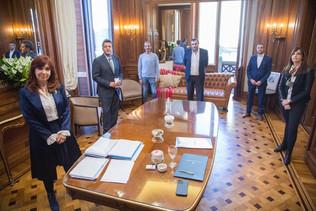 SIN VERGÜENZA: Cristina K y Sergio Massa le aumentaron un 40% al personal del Congreso - 03/06/2021