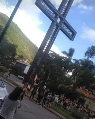 La palabra del Arzobispo Mario Cargnello ante el  intento de profanar la Cruz del Congreso Eucarísti
