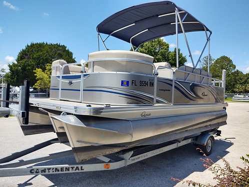 2017 QWEST LS 818 XRE CRUISE TRITOON