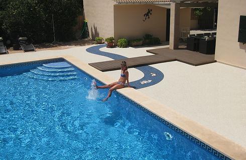 Design Terrasse 4 Pool Mallorca Kieselbeschichtung Steinteppich SteinDesign Deluxe GmbH.jp