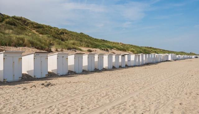 strandhuisjes strand bredene