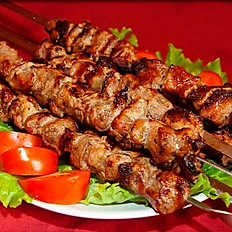 Шашлык свинина из шейки - 260 рублей, порция