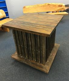 square box bar leaner