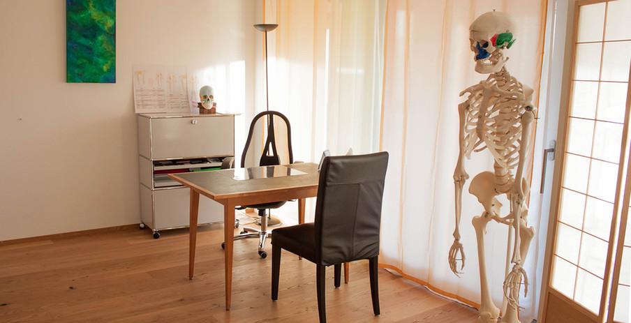 Praxis Osteofrey Tisch