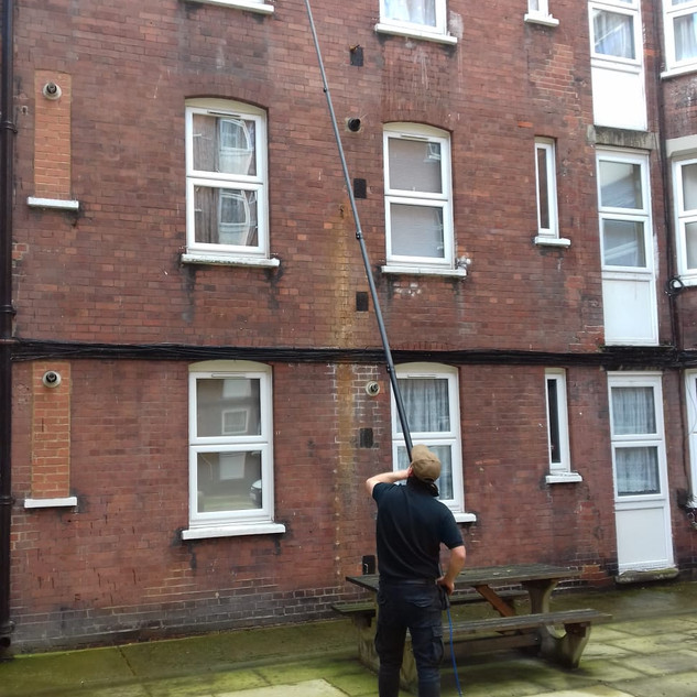 Window Cleaning by Heaven Cleaning