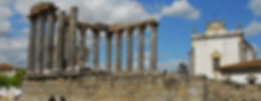 Évora-Roman-Temple.jpg